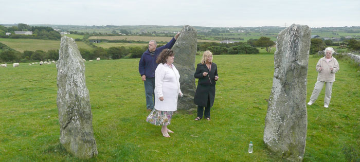 Vicky Sweetlove Dowsing at the Three Sisters